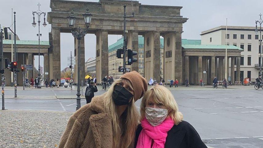 Heidi und Erna Klum am Brandenburger Tor