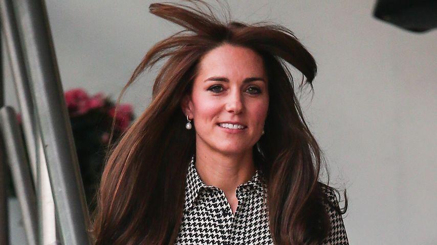 Vom Winde verweht: Herzogin Kate mit Sturmfrisur