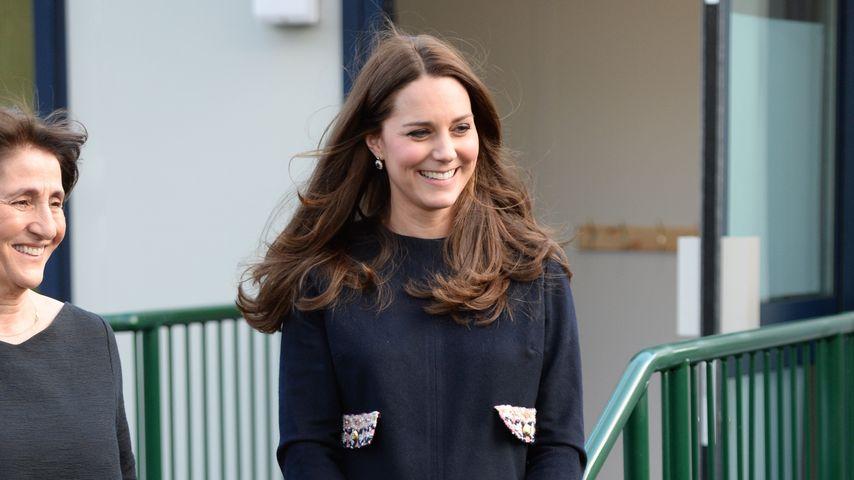 Wachsende Baby-Kugel: Herzogin Kate ist wieder da!