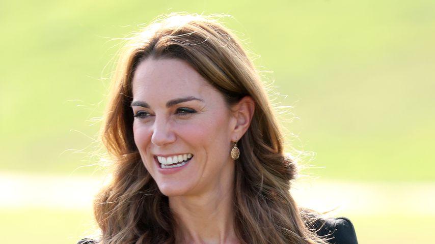 Durch eine Geheimtür: Herzogin Kate schlich zum Elternabend