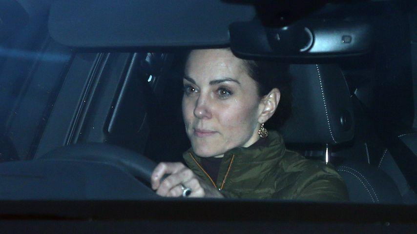 Während Meghan-Harry-Gipfel: Kate wurde im Auto abgelichtet!