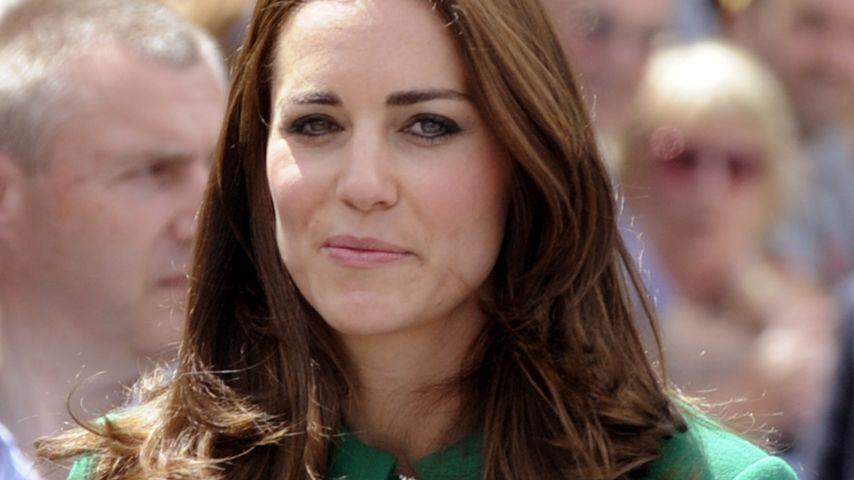 Erstmals: Herzogin Kate im Auftrag der Queen