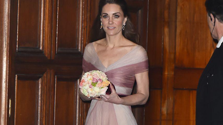 Wie Märchen-Prinzessin: Herzogin Kate in Traum aus Rosa