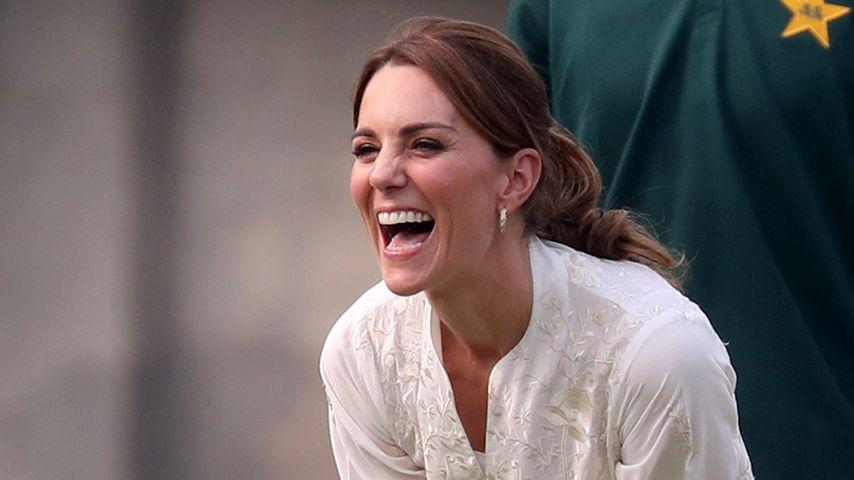 Sportlich! Herzogin Kate stellt Cricket-Talent unter Beweis