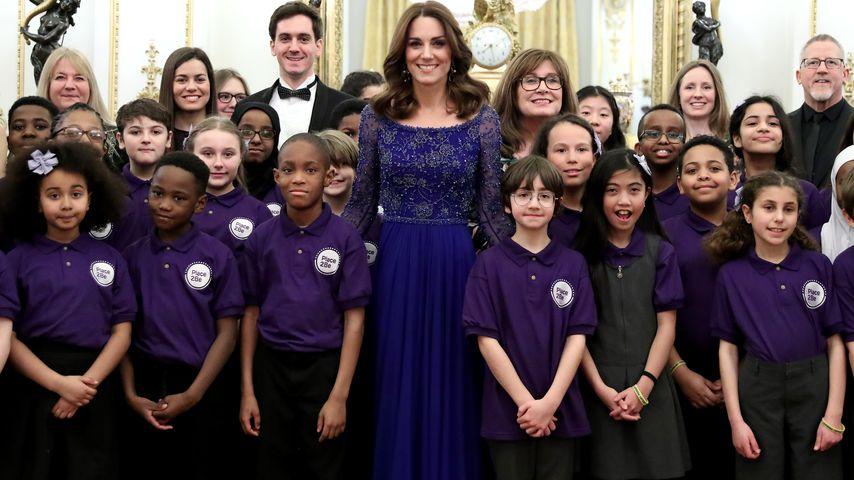 Herzogin Kate und ein Schulchor bei einem Gala Dinner in London im März 2020