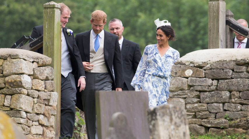 Prinz Harry und Herzogin Meghan auf einer Hochzeit in Stoke Rochford