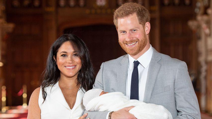 Zum ersten Mal: Statt Meghan hielt Prinz Harry Baby im Arm!