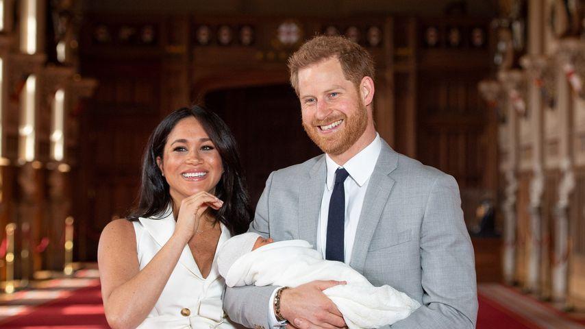 Herzogin Meghan und Prinz Harry mit ihrem Sohn Archie Harrison im Mai 2019 in Windsor