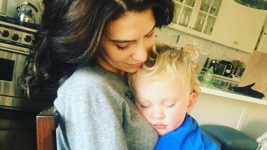 Hilaria Baldwin mit ihrem Sohn Leo