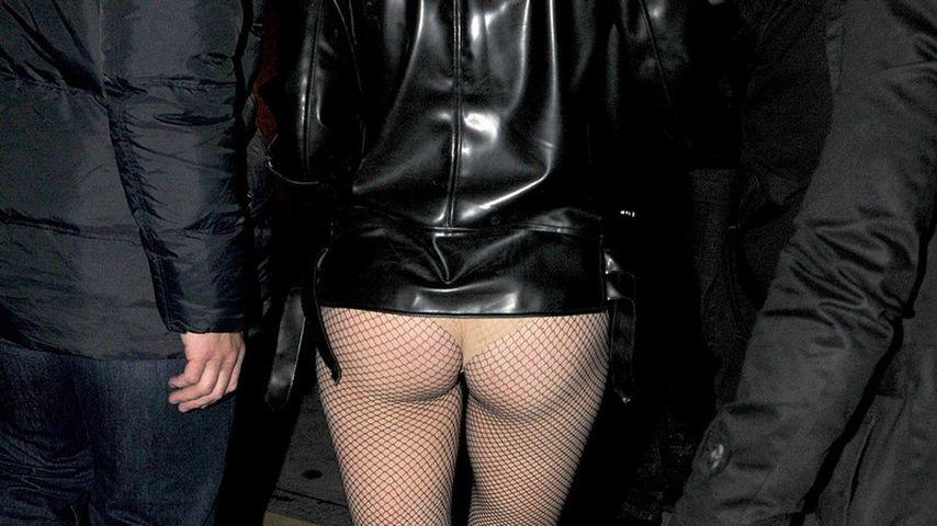 Lady GaGa präsentiert ihren Hintern in Paris