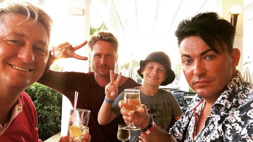 Hubert Fella mit Matthias Mangiapane, Nico Schwanz und seinem Sohn Damien