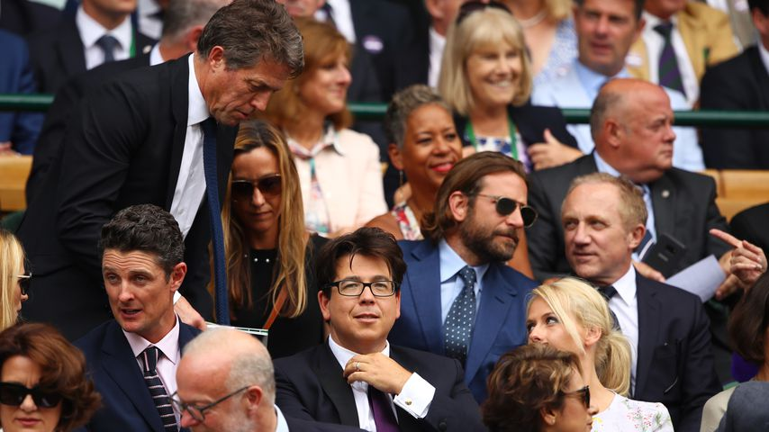 Hugh Grant und Bradley Cooper in Beim Wimbledon-Finale in London, 2017