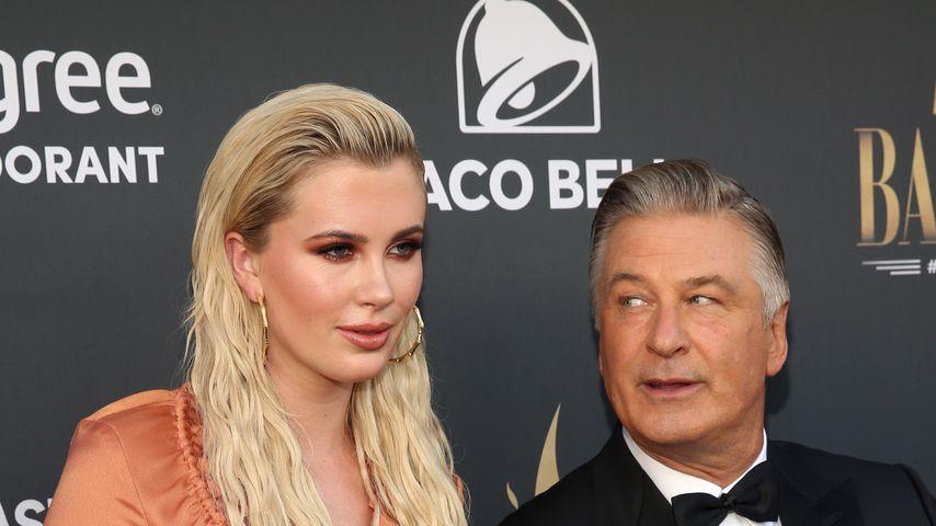 Ireland Baldwin mit ihrem Vater Alec