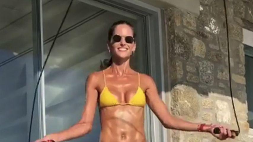 Nach Verlobung: So heiß sporteln VS-Izabel & Kevin im Urlaub
