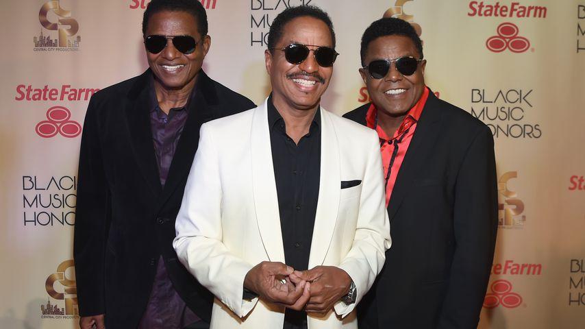 Jackie, Marlon und Tito Jackson nach einem Konzert