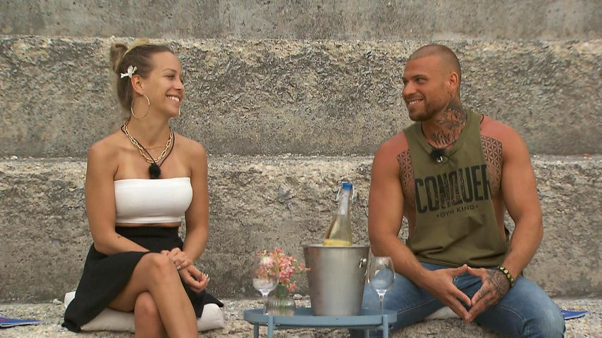 "Jacky und Salvatore bei ""Ex on the Beach"""
