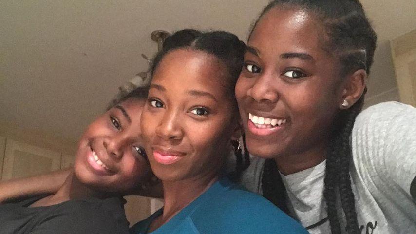 Jamelia (Mitte) mit ihren Töchtern