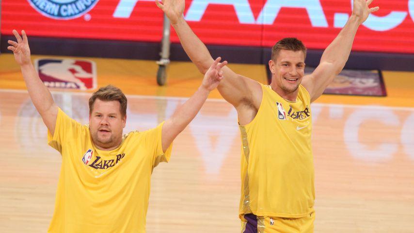 James Corden und Rob Gronkowski beim Lakers-Spiel im November 2019