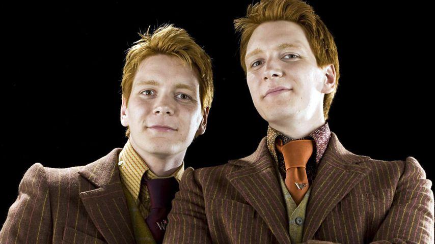 James und Oliver Phelps als Fred und George Weasley