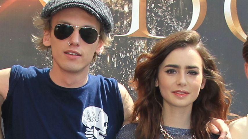 Lily Collins und Jamie Campbell Bower