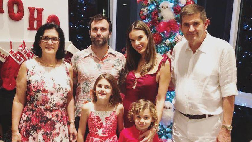 Jamie Mazur und Alessandra Ambrosio mit ihrer Familie an Weihnachten 2017
