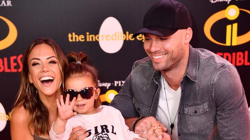 Jana Kramer und Mike Caussin mit ihrer Tochter Jolie