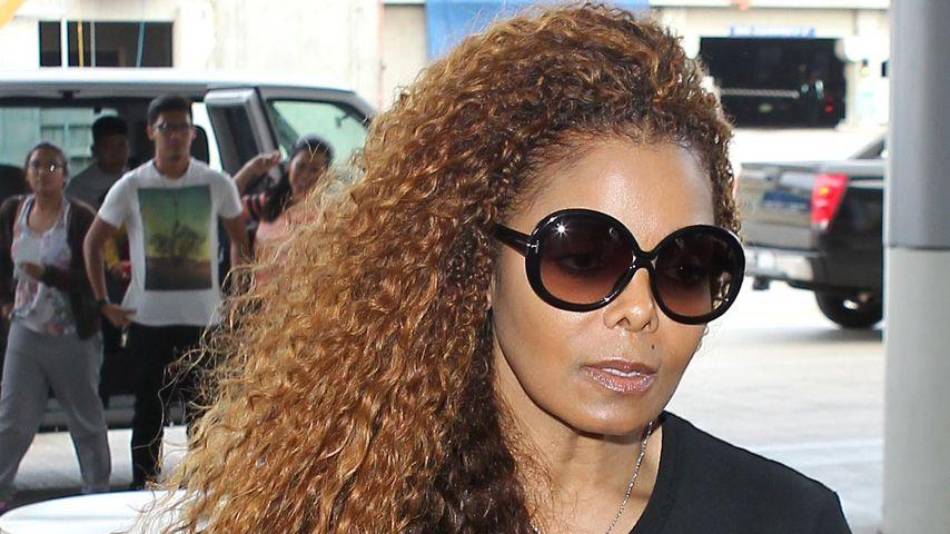 Janet Jackson, Schwester von Michael Jackson