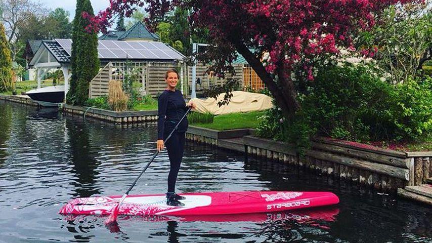 Sportliche Bald-Mama: Janni Hönscheid paddelt mit Baby-Kugel
