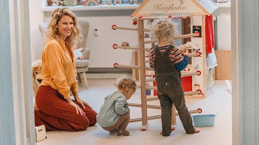 Janni Kusmagk mit ihren Kindern Yoko und Emil-Ocean