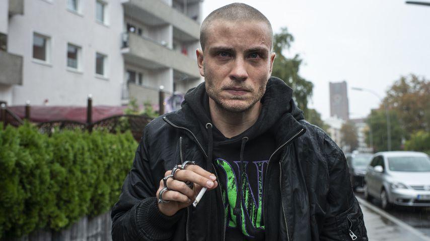 """Jannik Schümann in seiner Rolle Eric in """"9 Tage wach"""""""