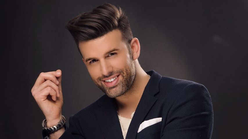 Jay Khan, Sänger