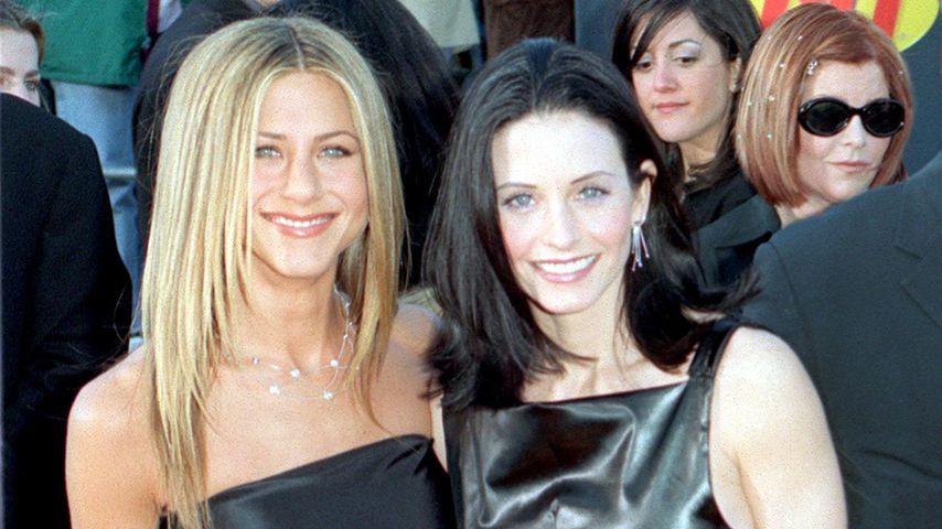 Jennifer Aniston und Courteney Cox im Jahr 1999