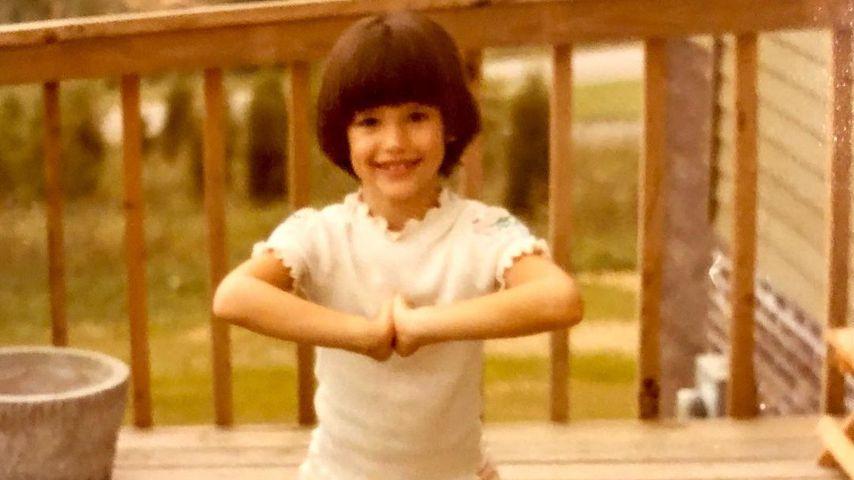 Jennifer Garner als Kind macht Yoga-Pose