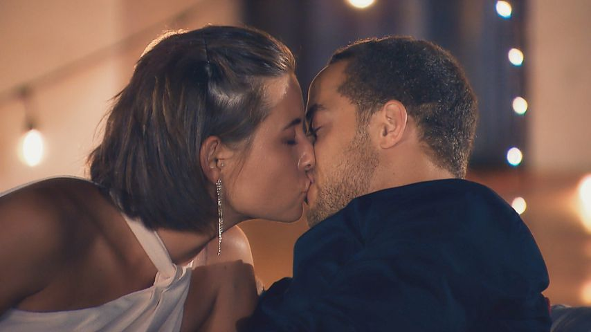 Dank heißer Küsse: Andrej gibt Jenny eine vorzeitige Rose!