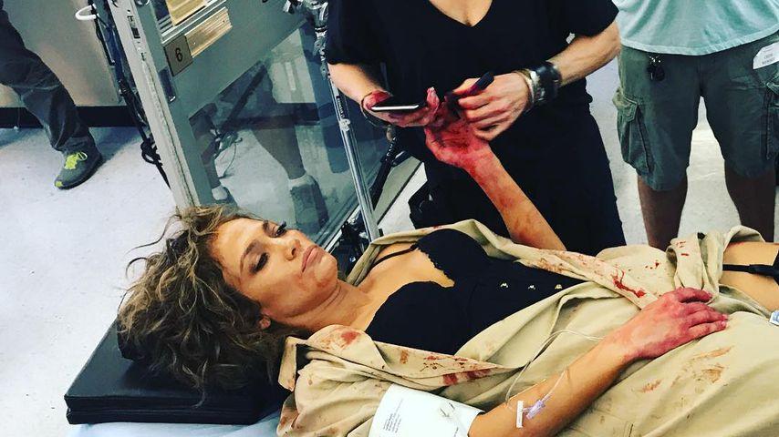 Blutüberströmt: JLo schockt ihre Fans mit diesem Set-Foto!