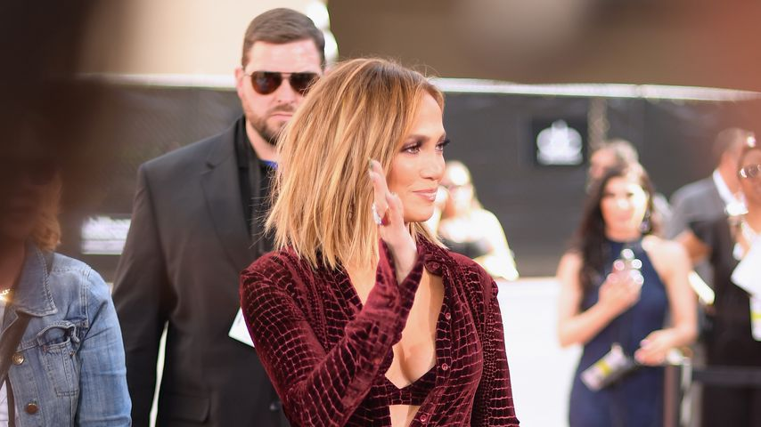 Jennifer Lopez im Schlangenlook bei den Billboard Music Awards 2018
