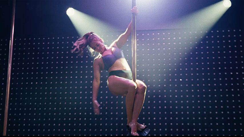 "Jennifer Lopez in einer Szene aus ""Hustlers"""