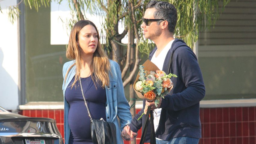 Jessica Alba und Ehemann Cash Warren in West Hollywood