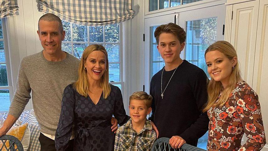 So harmonisch feiert Reese Witherspoons Familie Thanksgiving