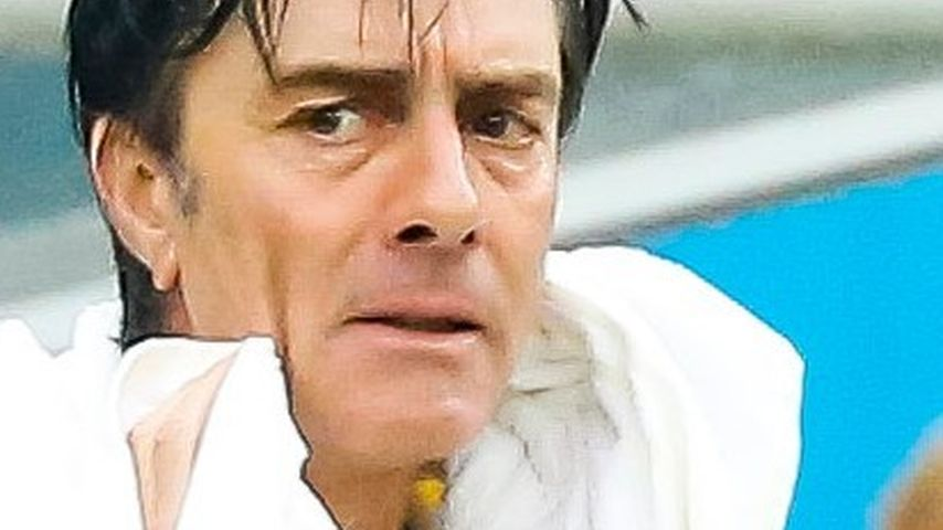 Joachim Löw: Große Wet-Look-Show bei Regenschlacht