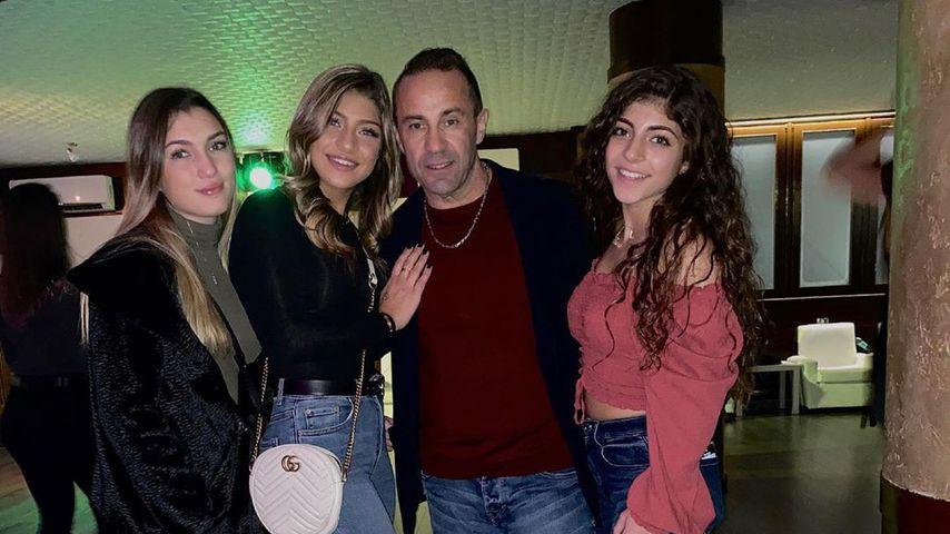 Joe Giudice mit seinen drei Töchtern Gabriella, Gia und Milania