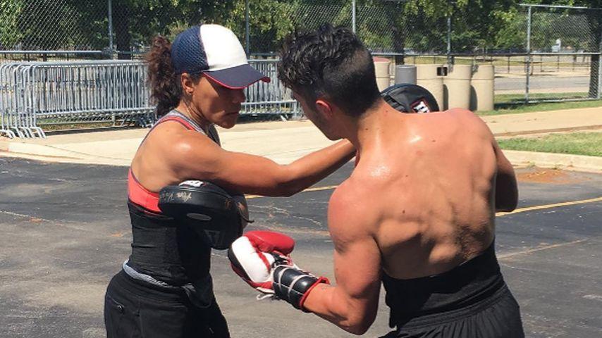 Sänger Joe Jonas beim Box-Training