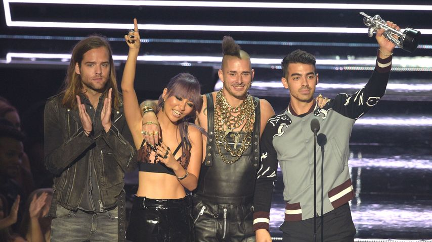 Trennungs-Look: Ohne Gigi macht Joe Jonas einfach mal blau