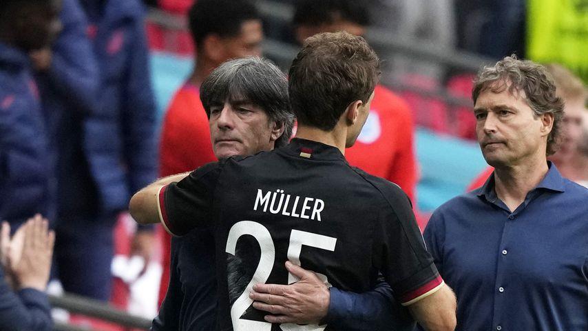 Jogi Löw und Thomas Müller beim EM-Achtelfinale 2021