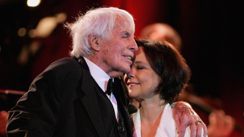 """Johannes Heesters und Simone Rethel auf der """"Stars Go Swing""""-Gala im Dezember 2006"""