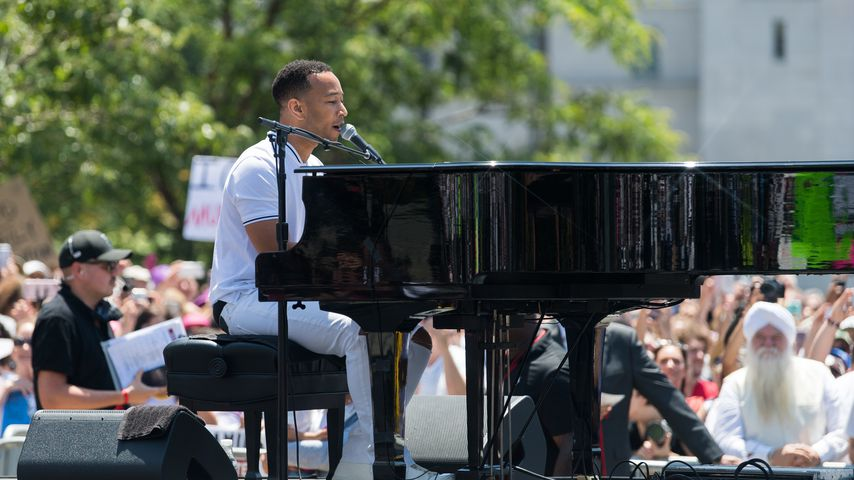 "John Legend beim ""Families Belong Together""-Protest in Los Angeles"