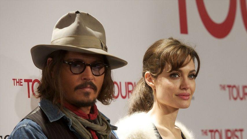 Lustige Outtakes: Johnny Depp mit Lachkrampf