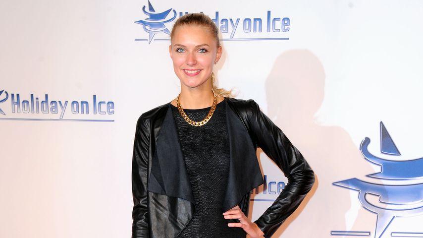 "Jolina Fust bei der ""Holiday On Ice Gala"" in Hamburg"