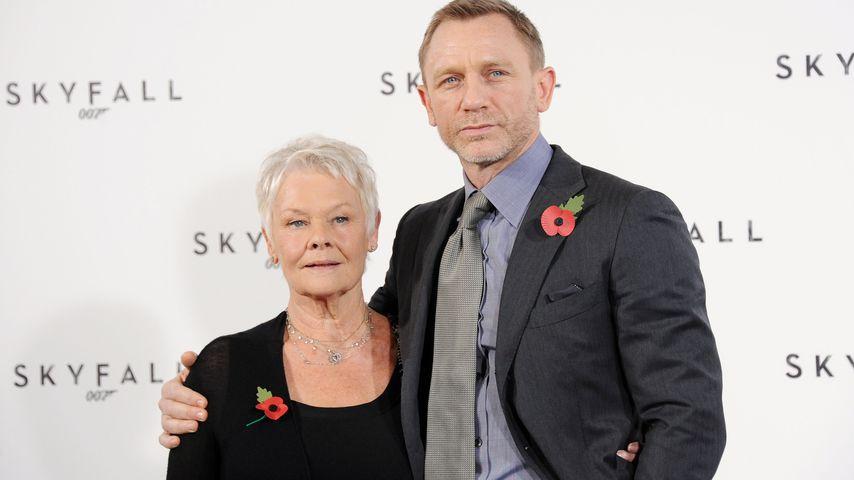 Judi Dench und Daniel Craig im November 2011 in London