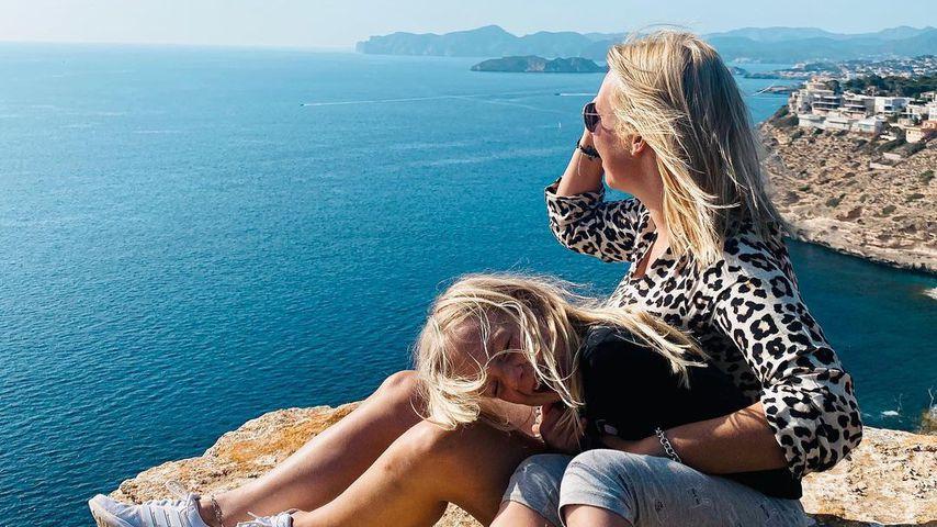 Julia Holz mit ihrer Tochter Daliah